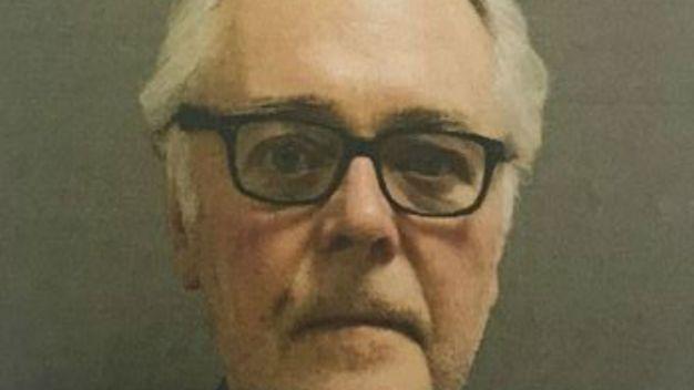 Acusan a sacerdote retirado por mortal atropello y fuga en Orland Park