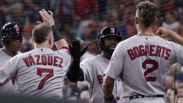 Astros buscan igualar la serie ante los Medias Rojas