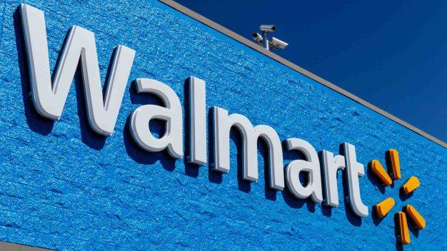 Tiroteo en un Walmart deja al menos tres muertos