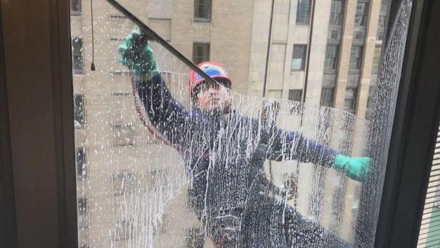 Colgando al vacío: lavaventanas de Chicago lo cuentan todo