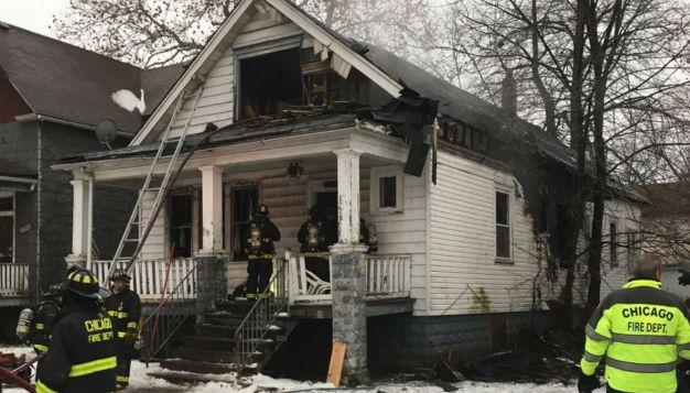 Fuego en hogar deja a varios heridos en West Pullman