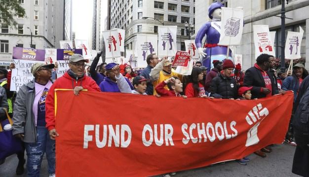 Huelga de maestros: Continúan las negociaciones