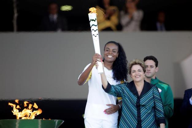 Llega llama olímpica a Brasilia