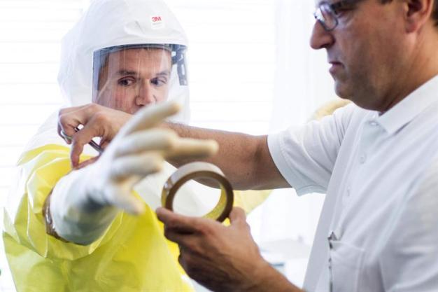 Sobrevivientes de Ébola podrían contagiarse de nuevo