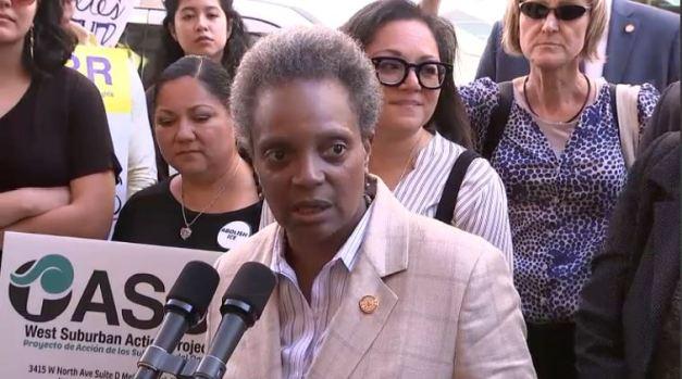 Alcaldesa Lori Lightfoot estalla contra ICE y su nuevo líder