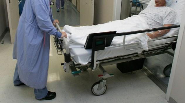 Reporte: errores médicos matan más que accidentes