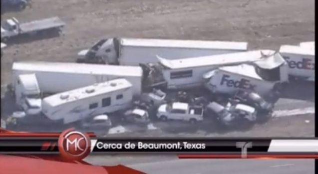 Video: Cientos de vehículos chocan