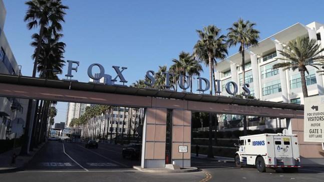 Disney cierra compra de negocios de espectáculos de Fox