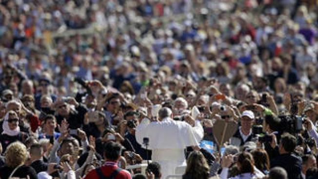 Buscan 10 mil voluntarios para visita papal