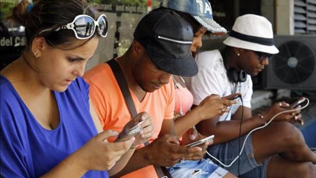 Cuba: más de 3 millones de usuarios de internet