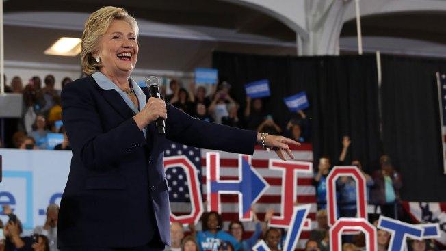 Aventaja Clinton a Trump por cinco puntos en nuevo sondeo