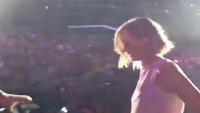 Jennifer Lawrence cantó con Billy Joel en Chicago