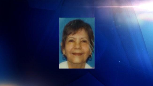 Buscan anciana desaparecida en West Lawn