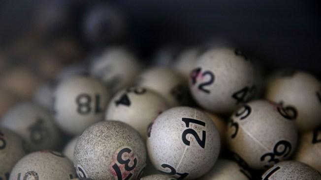 Buscan ganador de $5 millones de dólares en lotería de IL