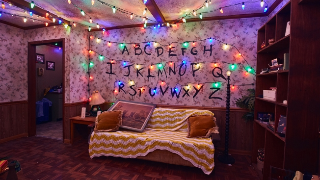 """Primer vistazo a la nueva casa embrujada de """"Stranger Things"""""""