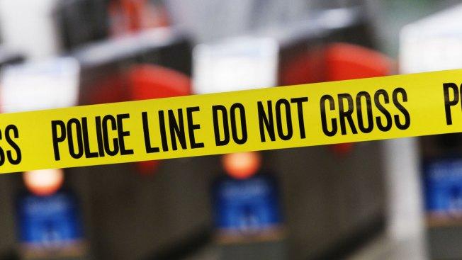 Hallan dos cuerpos calcinados dentro de un auto en Joliet