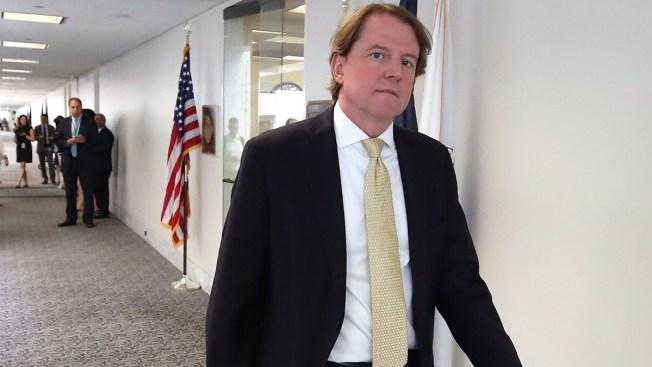NYT: asesor de la Casa Blanca coopera con Mueller