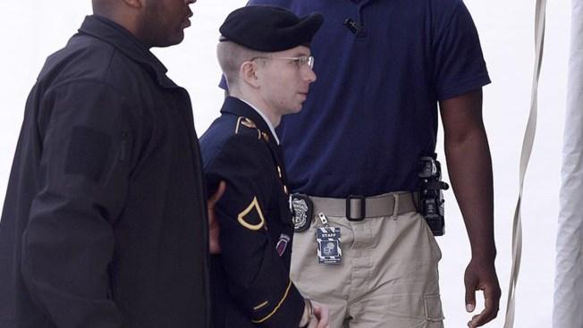 Hallan muerto a pirata informático que delató a Manning