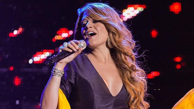 Angélica Celaya confirmó embarazo — Mariposa de Barrio