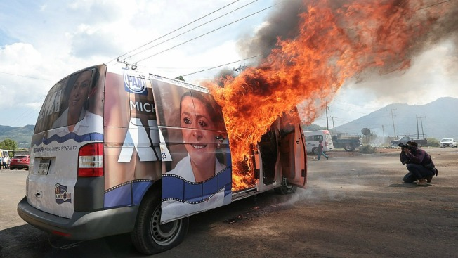Queman vehículo de candidata a senadora
