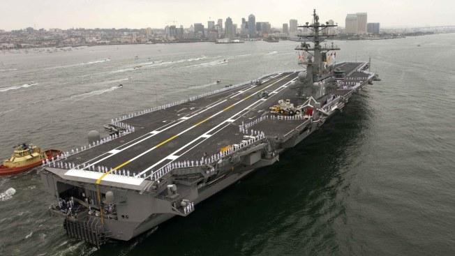 Se estrella helicóptero en portaaviones de EEUU; hay heridos