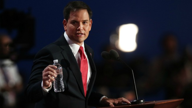 "Rubio responde tras recibir agua marca ""Trump"""