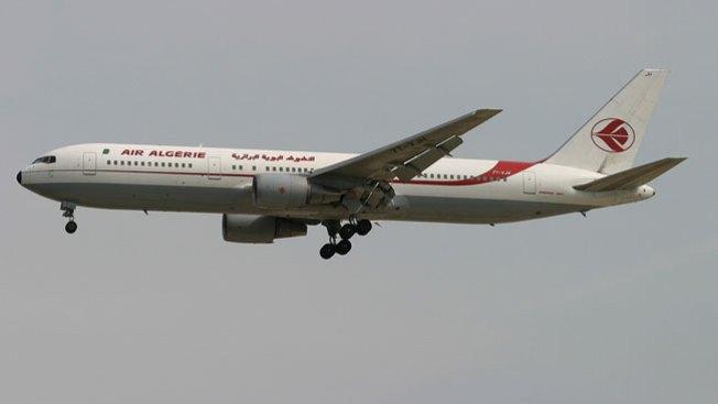 Hallan caja negra del avión de Air Algerie