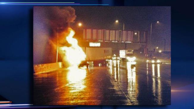 Se incendia camión en autopista I-90
