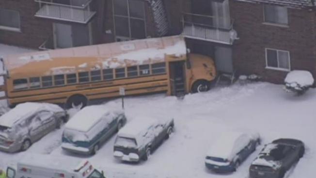 Se estrella un autobús escolar