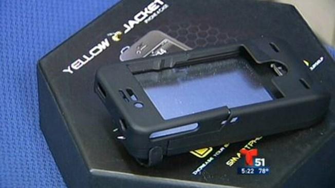 El celular convertido en pistola eléctrica