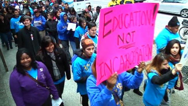 Escuela cobra $5 por estudiante castigado