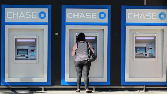 Dos arrestados en robos de ATM