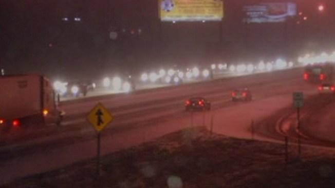 Nieve ligera crea pesadilla en autopistas