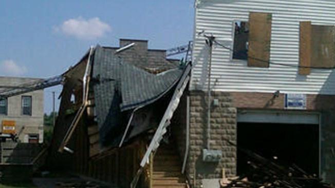 Casa se derrumba parcialmente