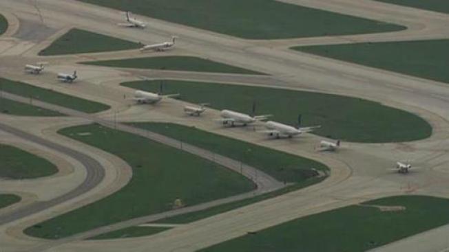Detienen vuelos en O'Hare y Midway