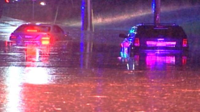 Caos en autopistas por inundaciones