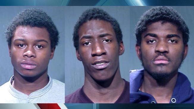 Adolescentes acusados de aterrorizar a repartidores de comida