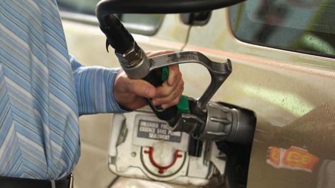 Roban miles en gasolina