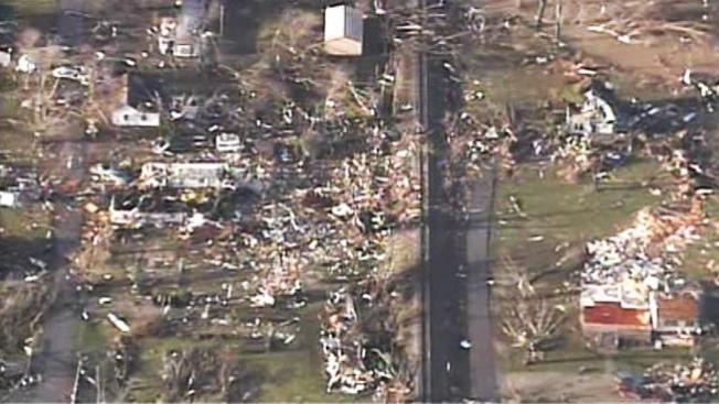 Ya son 4 muertos por tornado en Indiana