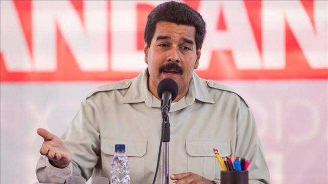 Maduro lanza villancico viral