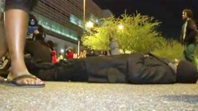 Policía de Phoenix asesina a hombre