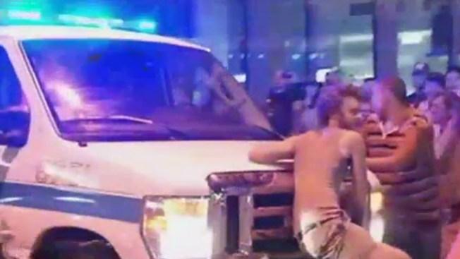 Herido por van de policía