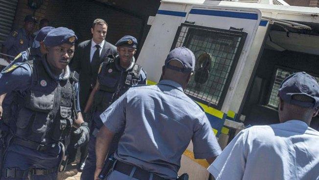 Oscar Pistorius ingresa en prisión