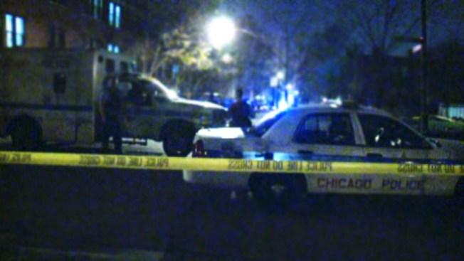 Dos baleados por oficial fuera de servicio