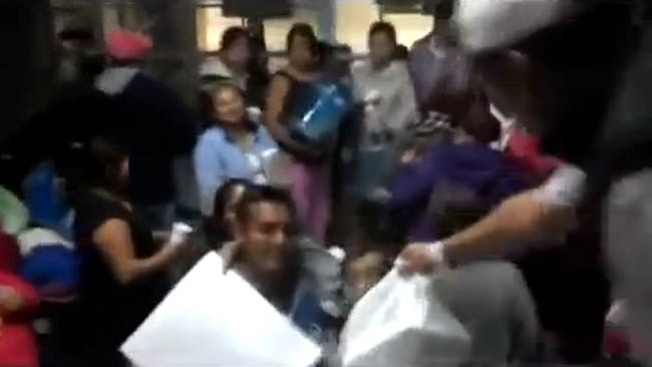 Soldier Field: Develan monumentos a leyendas de los Chicago Bears