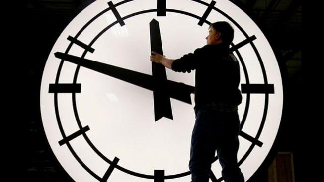 Domingo: se adelanta una hora el reloj