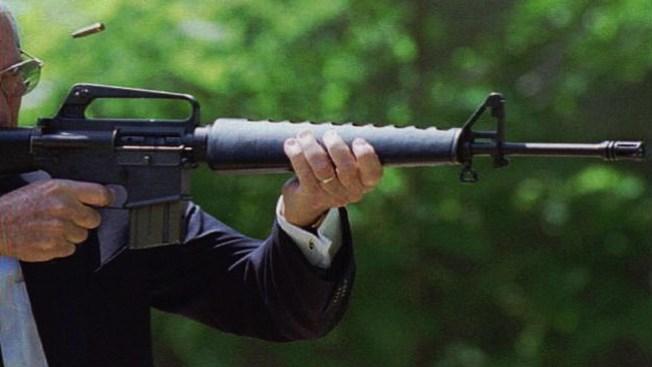 Piden armas en escuelas