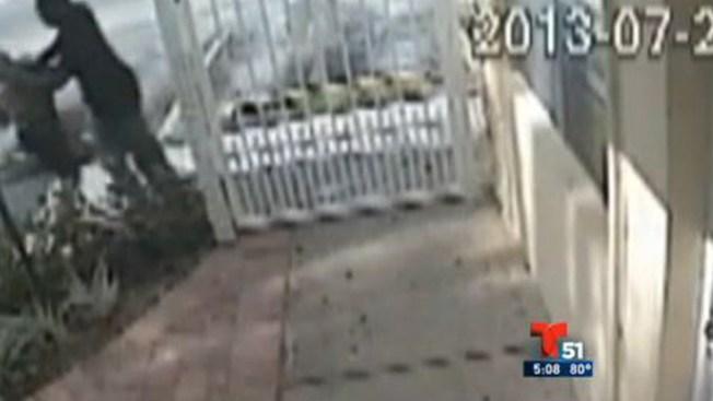 Video: Mujer se defiende de ladrón
