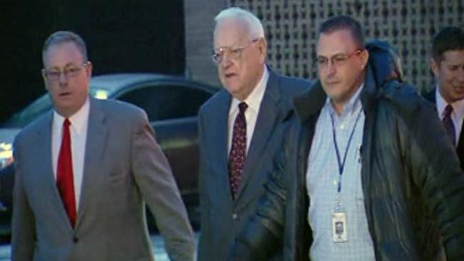 Ex gobernador Ryan liberado de prisión