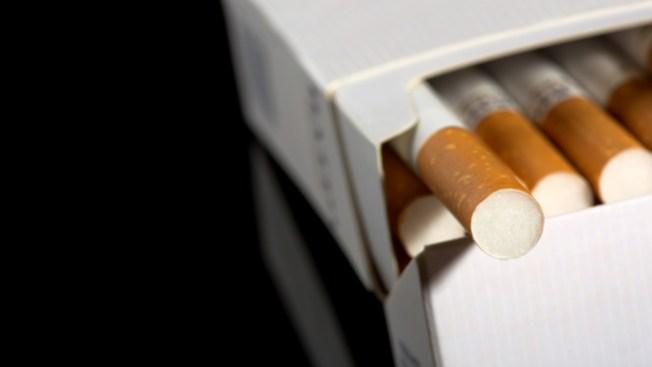 Proponen elevar la edad legal para fumar